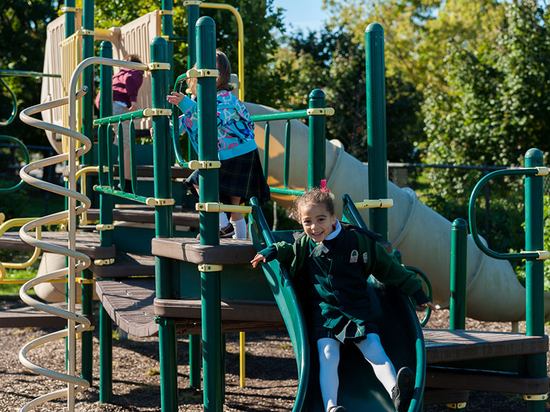 Oaks students on the playground